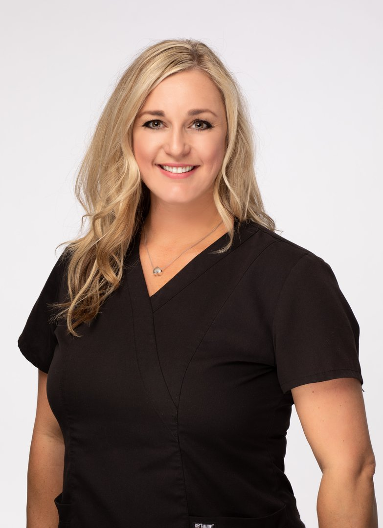 Jeneen Valencia dental hygienist in Sun City AZ